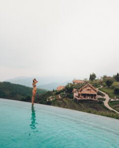 girl on sapa infinity pool