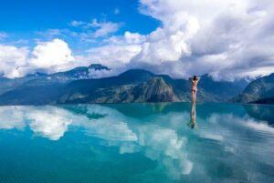 bể bơi vô cực trên núi